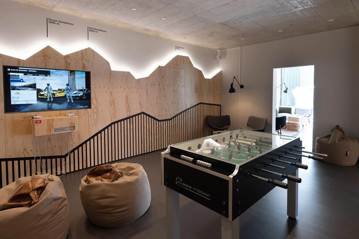 Arnold_Werner_Architekten_Dallmayr_Tesla_Lounge_02