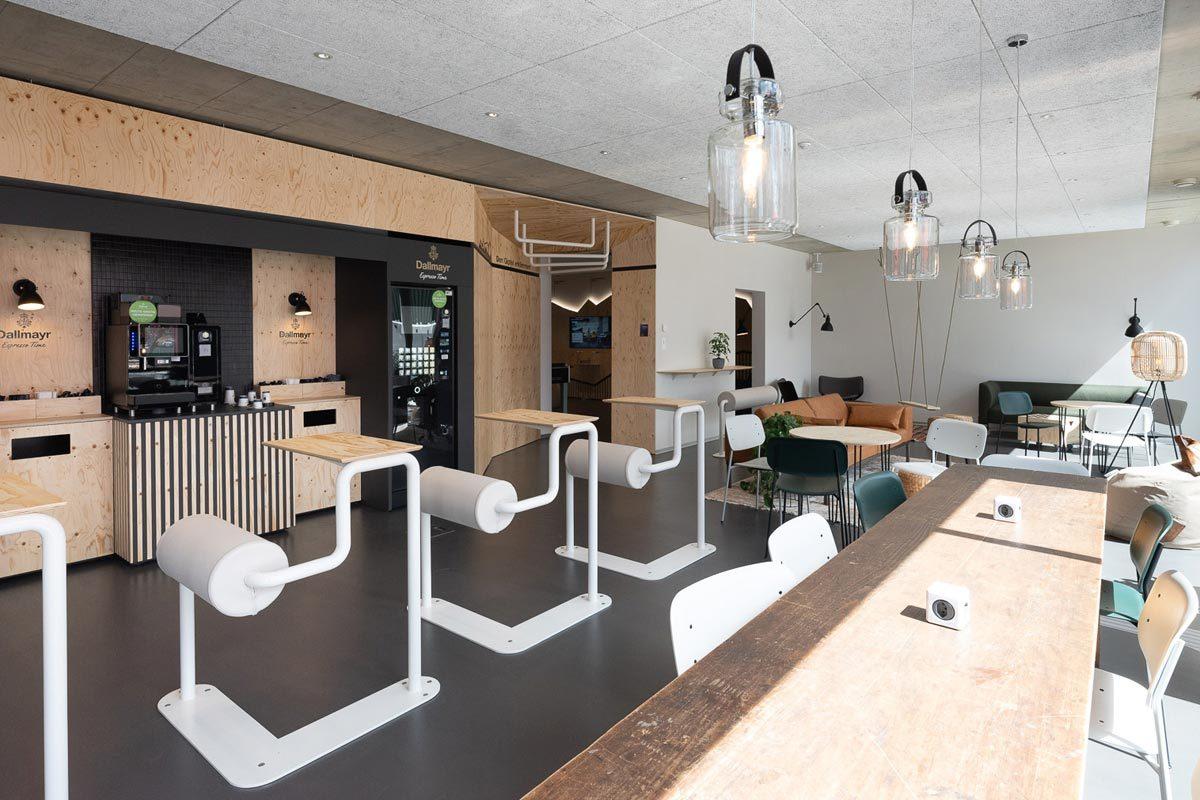 Arnold_Werner_Architekten_Dallmayr_Tesla_Lounge_03