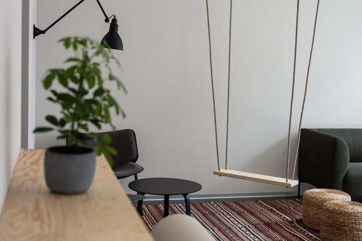 Arnold_Werner_Architekten_Dallmayr_Tesla_Lounge_04