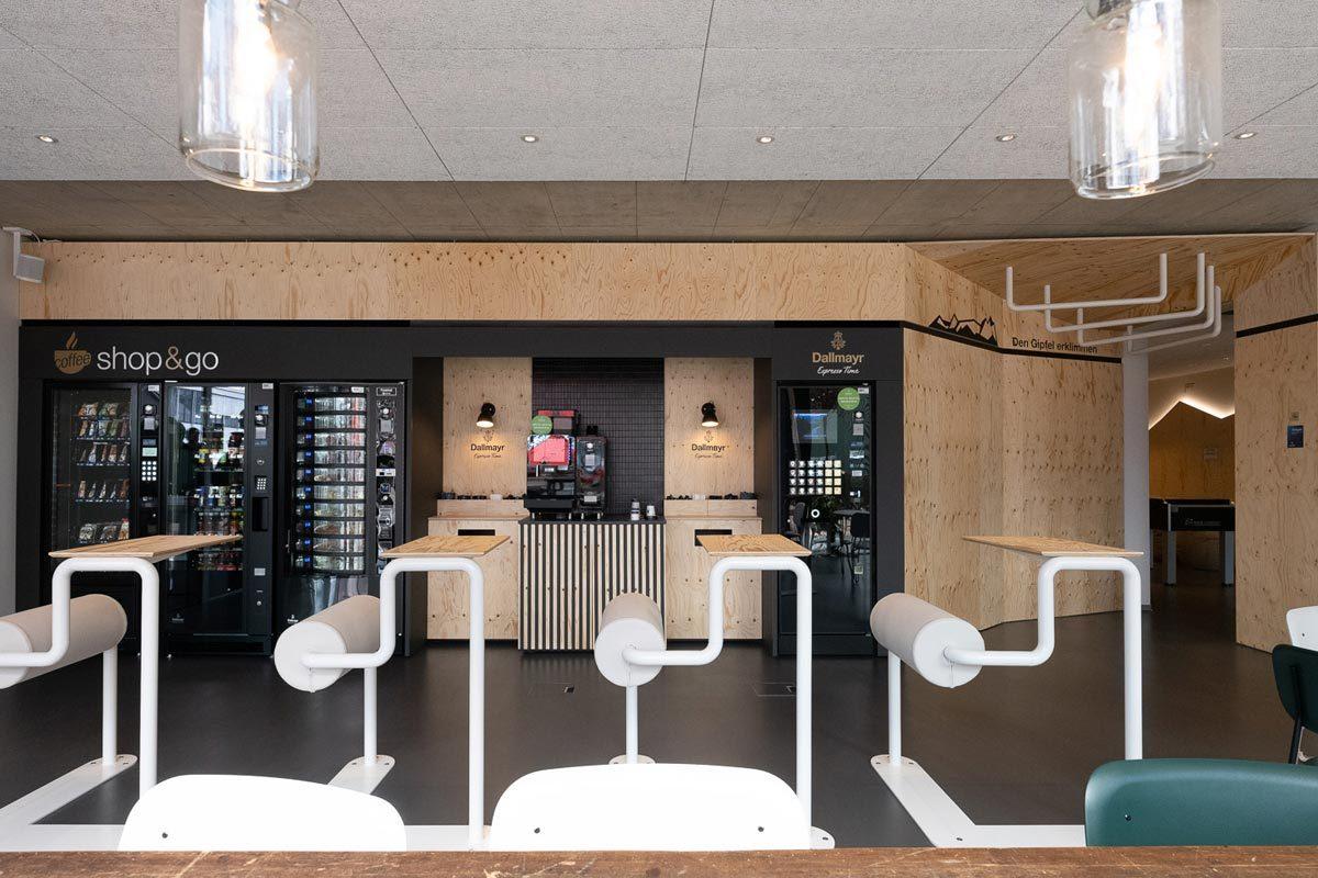 Arnold_Werner_Architekten_Dallmayr_Tesla_Lounge_05