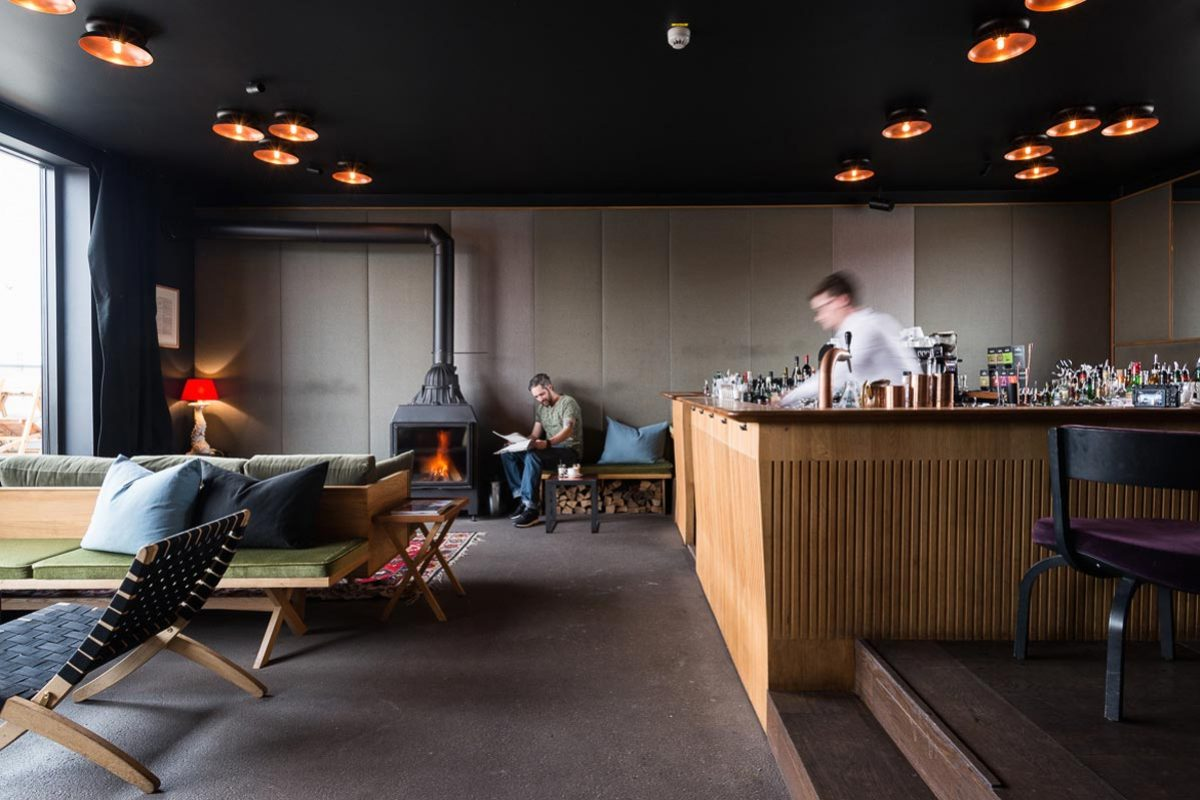 Arnold_Werner_Architekten_The_Flushing_Meadows_Bar_04